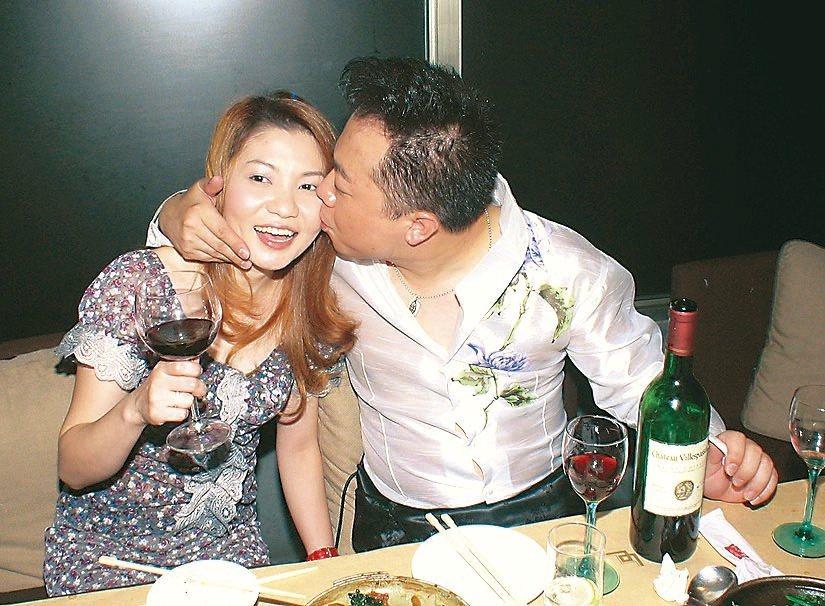 董至成當年跟老婆非常恩愛。圖/報系資料照  ※ 提醒您:禁止酒駕 飲酒過量有礙健