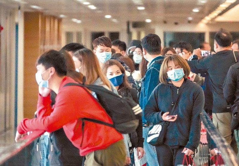 菲律賓政府禁止台灣地區居民入境,造成航空、旅行業者營運大亂。 記者鄭超文/攝影