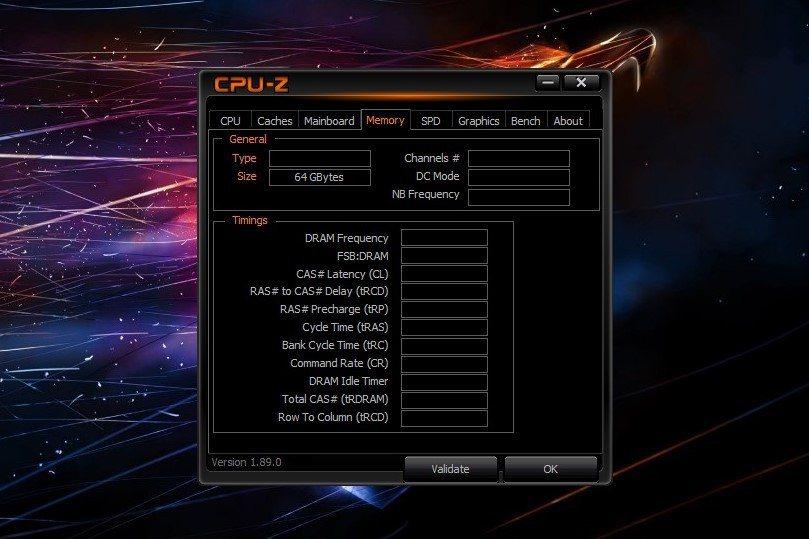 記憶體一次給滿直上64GB DDR4-2400。 彭子豪/攝影