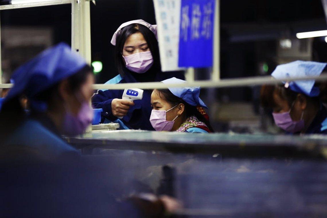 「採取一刀切政策將返崗復工人員拒之門外,表面看是『硬核』(hardcore的中國...
