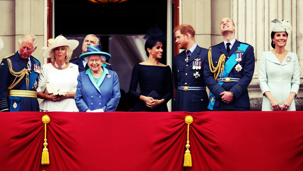 皇室公務每年約有2,000個場合(平均每週38場),每年在公務中接觸的人約有7萬...
