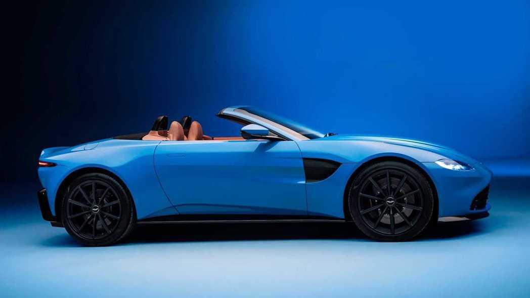 Aston Martin Vantage Roadster。 圖/Aston M...