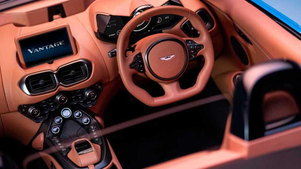 Aston Martin Vantage Roadster內裝。 圖/Aston...
