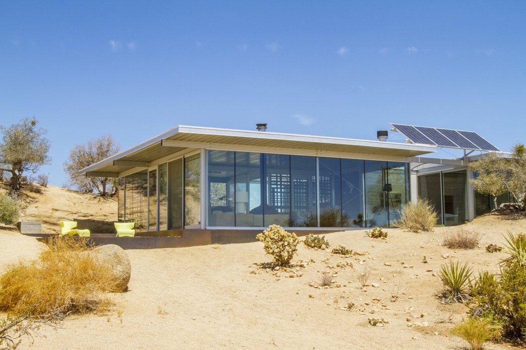 美國加州皮昂尼爾敦,太陽能沙漠玻璃屋。 Airbnb /提供