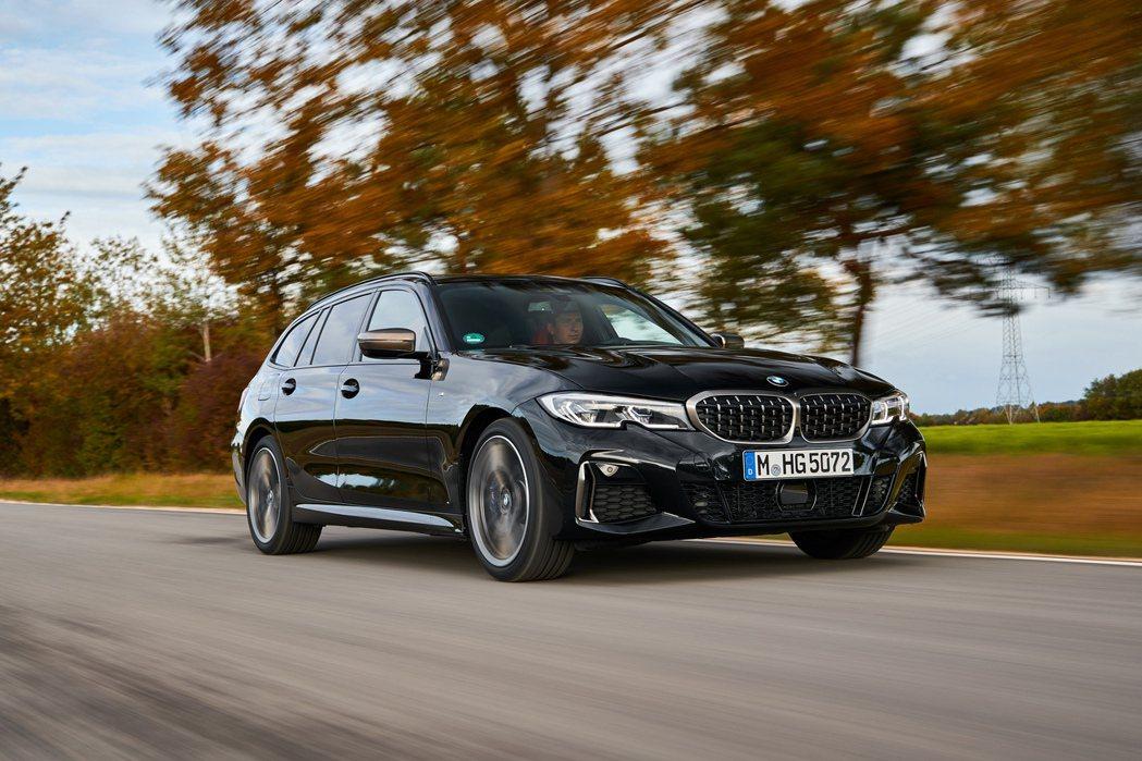 BMW M340i xDrive Touring 台灣預售價360萬元起。 摘自...
