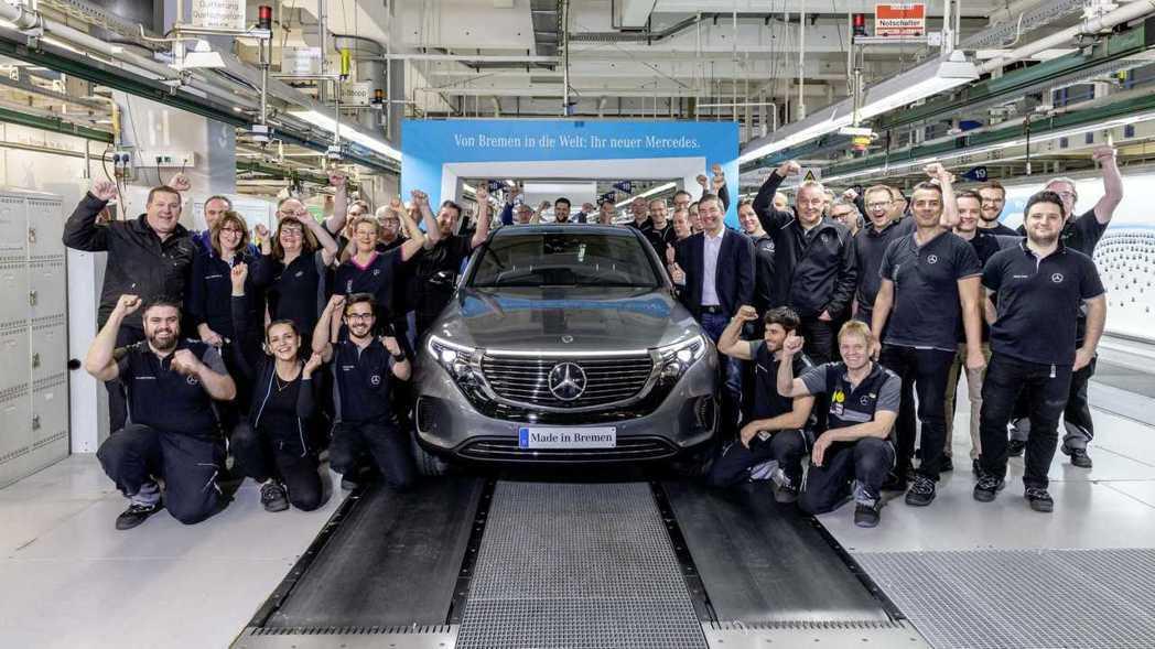 但戴姆勒集團今年仍然要對員工發放597歐元的獎金,以及一筆不超過500歐元的一次...