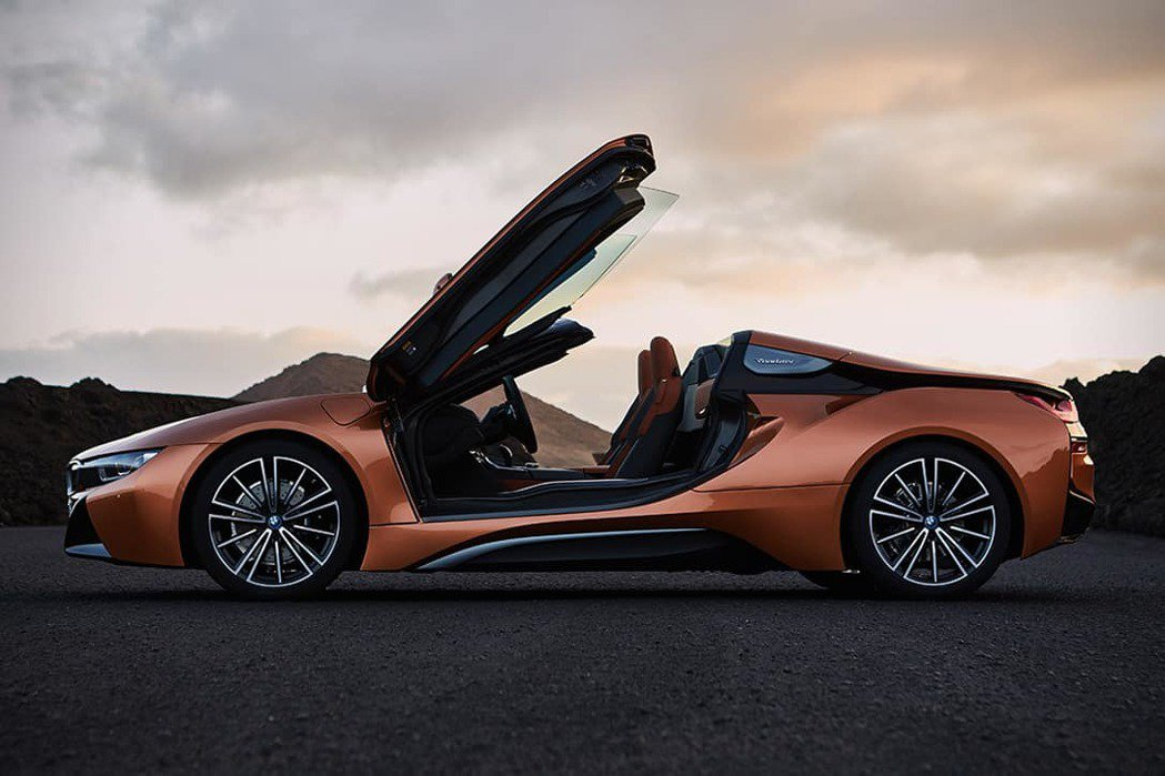 BMW i8 Roadster。 圖/原廠提供