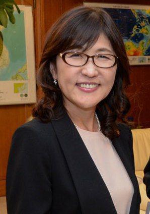 自民黨眾議院議員稻田朋美10日提議,應修憲增加女性參政的保障名額,卻遭遇各黨派的反對。(Photo by Wikipedia)