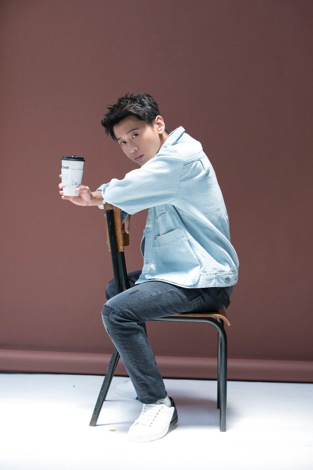 譚志華去年發行首張個人創作專輯「感情用事」。圖/D調音樂提供