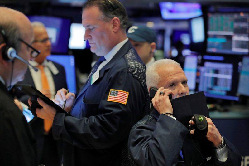 美股標普500、那斯達克指數周二再度締造收盤新高。 路透