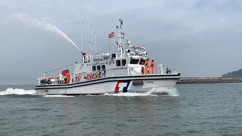 新造35噸級巡防艇今抵達馬祖海域,提升巡防新冠肺炎(武漢肺炎)能力,嚴防疫情入侵。圖/馬祖海巡隊提供