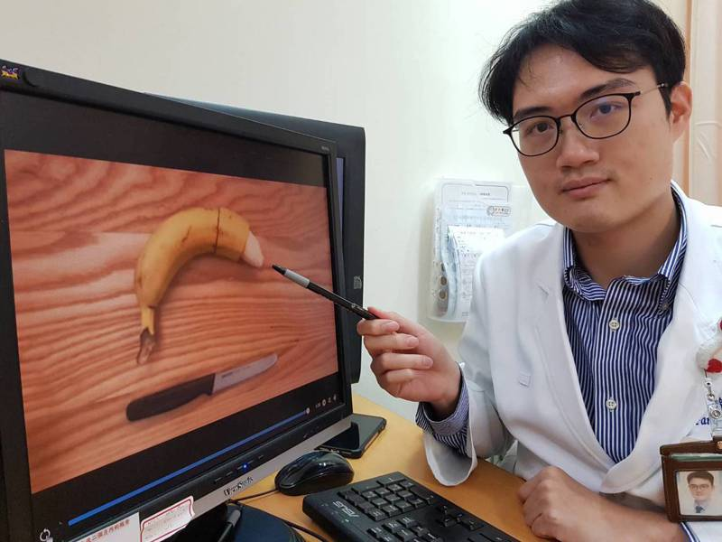 台北醫學大學附設醫院泌尿科主治醫師顧芳瑜呼籲男性平時要做好陰莖清潔。記者陳雨鑫/攝影