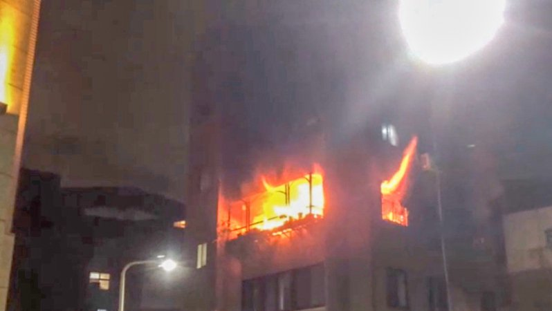 台北市中山區松江路184巷內一棟3層樓公寓火警。記者蔡翼謙/翻攝