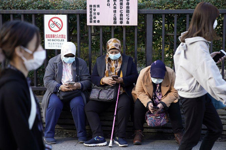 日本一名80多歲婦人因感染新冠肺炎去世。示意圖/歐新社