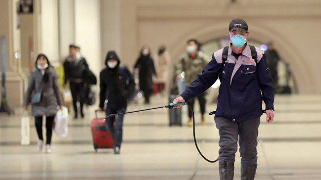 2020年1月23日起,湖北省從武漢市封城,逐步升溫到封省狀態。 美聯社