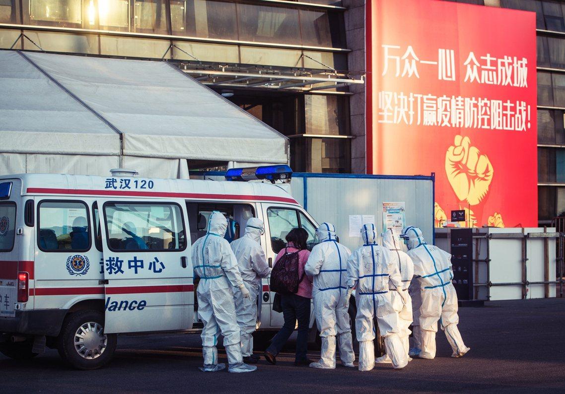 為何疫情可防可控的武漢市,感染數據會在一夜過後「真相曝光」?官方表示,湖北省新任...