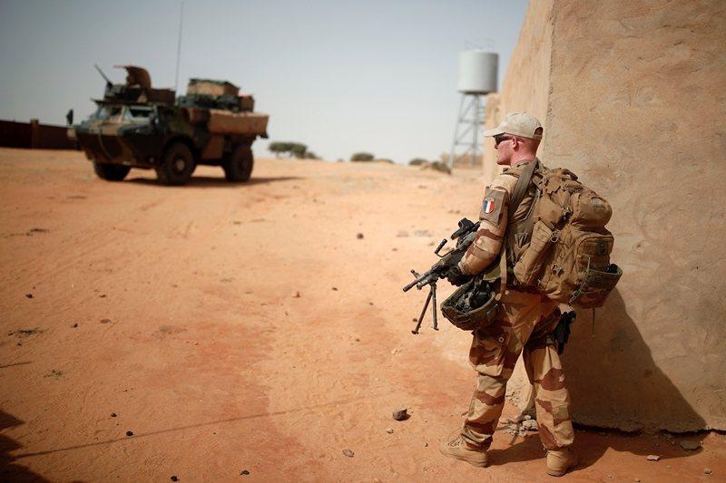 2013年起,法國在馬利等國擊退極端伊斯蘭聖戰組織與反政府民兵。圖為馬利的法國士兵。 圖/路透社