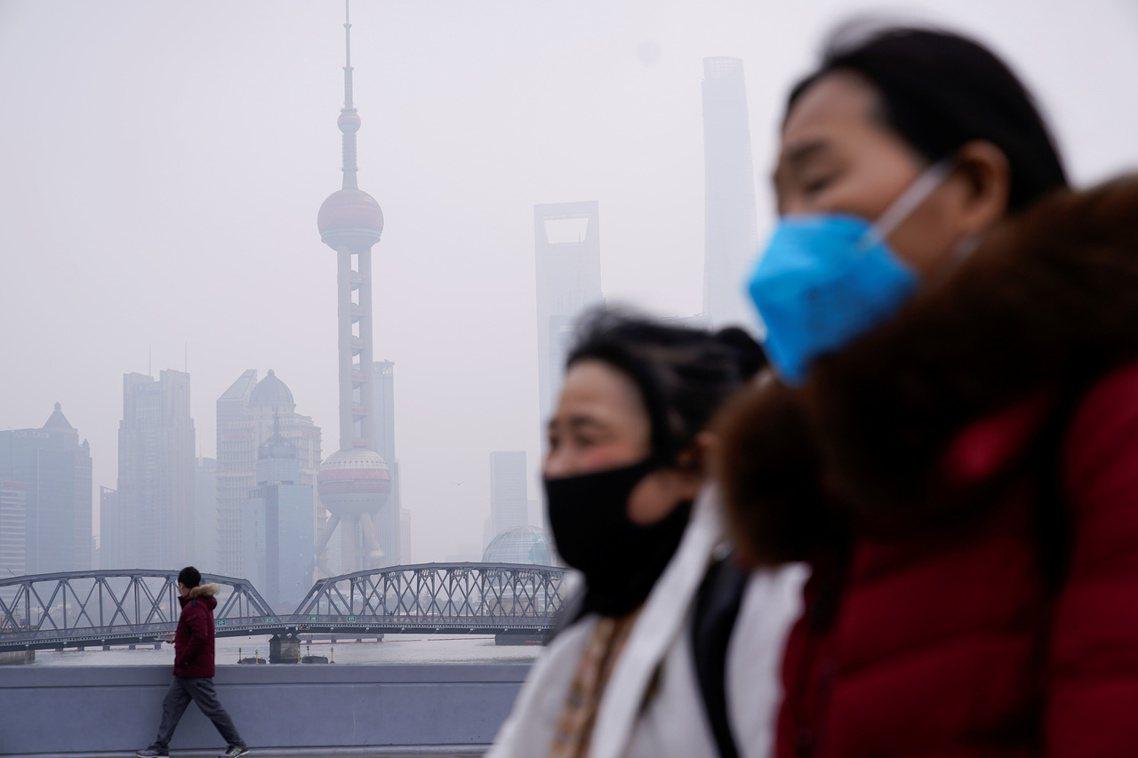 在疫情持續升溫的「後春節」時間,上海對於復工管控、對於疫情通報、對於即時資訊說明...