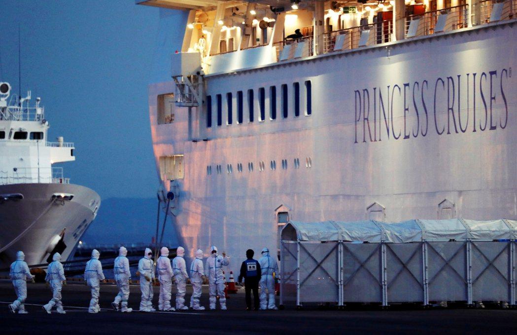 12日,日本一名執行鑽石公主號檢疫任務的檢疫官,確診罹患武漢肺炎,震驚了日本社會...