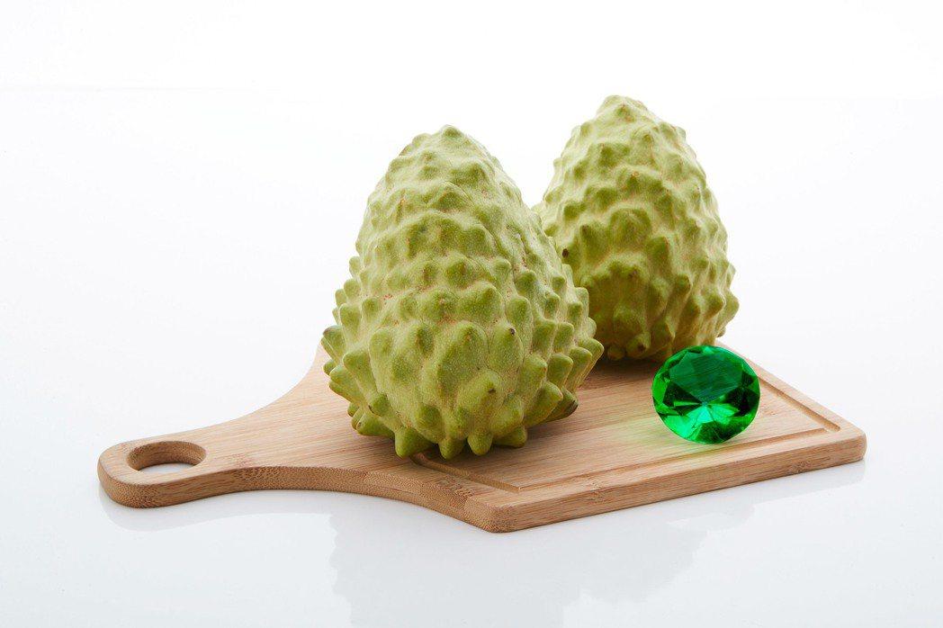 東森購物強檔促銷的台東鳳梨釋迦,素有「台東綠寶石」之稱,更具備外銷等級,開賣即狂...