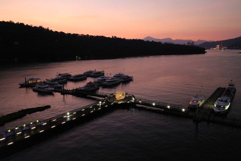 下周起日管處將以伊達邵碼頭為中心,選定每周三為「寧靜日」,還給遊客不同的體驗。圖/日管處提供