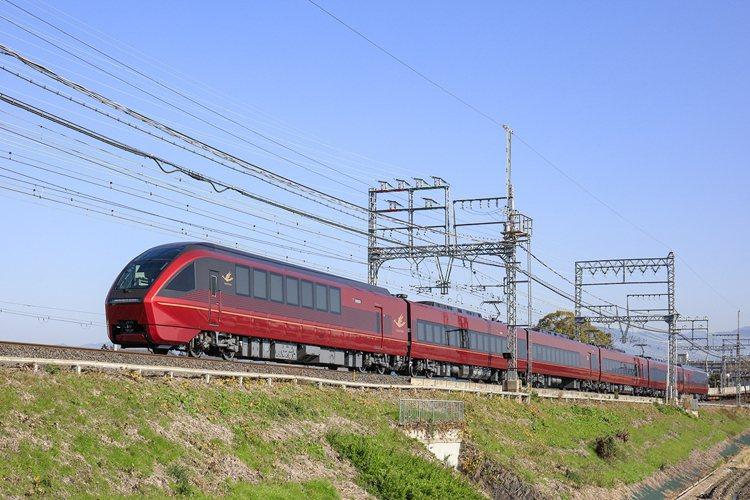 HINOTORI擁有豔紅的外觀。圖/近鐵提供