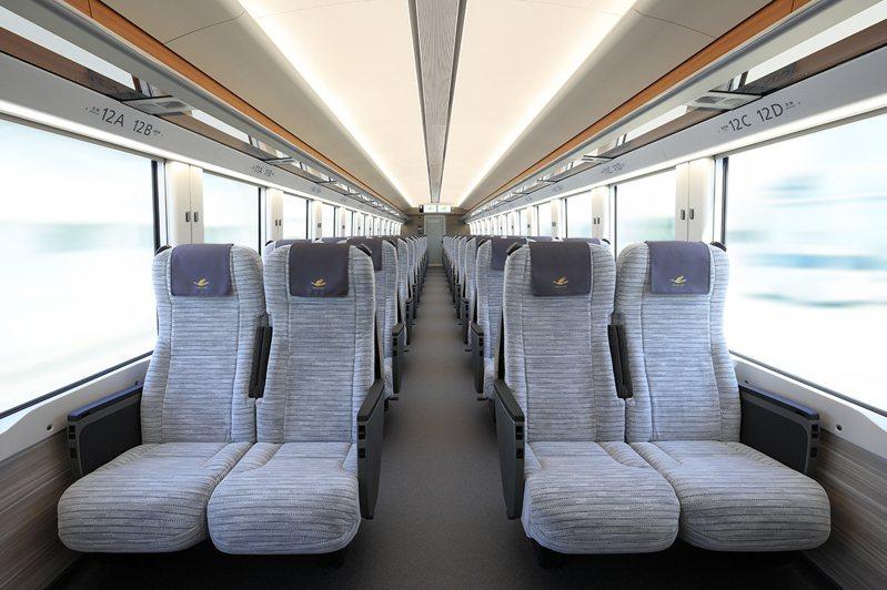 標準車廂也擁有背殼型座椅。圖/近鐵提供