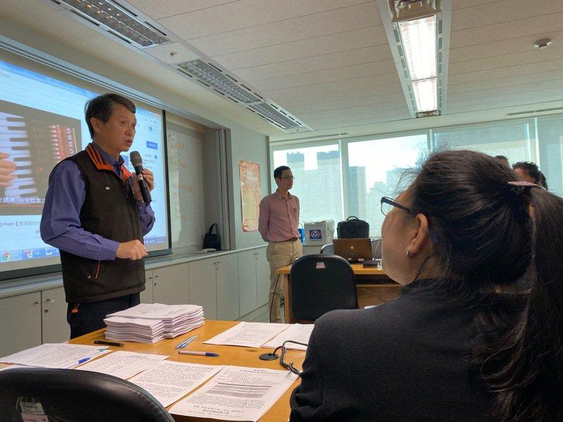 新北勞工局長陳瑞嘉說,勞權課程有分個體勞權、集體勞權,過去個體勞權已在高中職授課,今年起集體勞權全面在高中授課。圖/新北勞工局提供