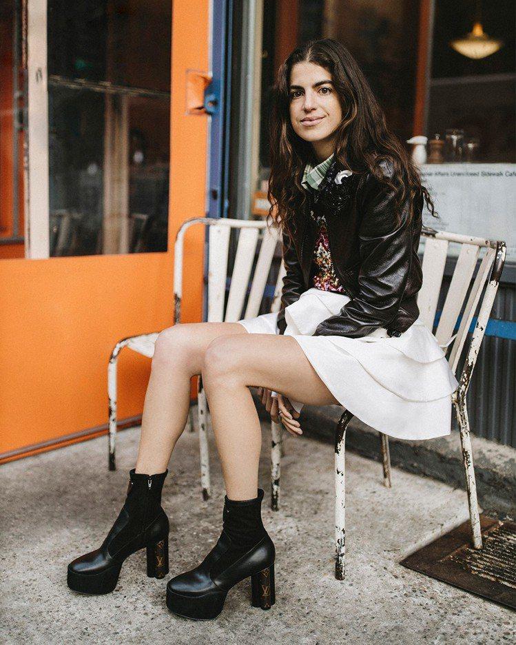 Leandra Medine Cohen詮釋牛皮、麂皮拼接高筒靴,售價49,90...