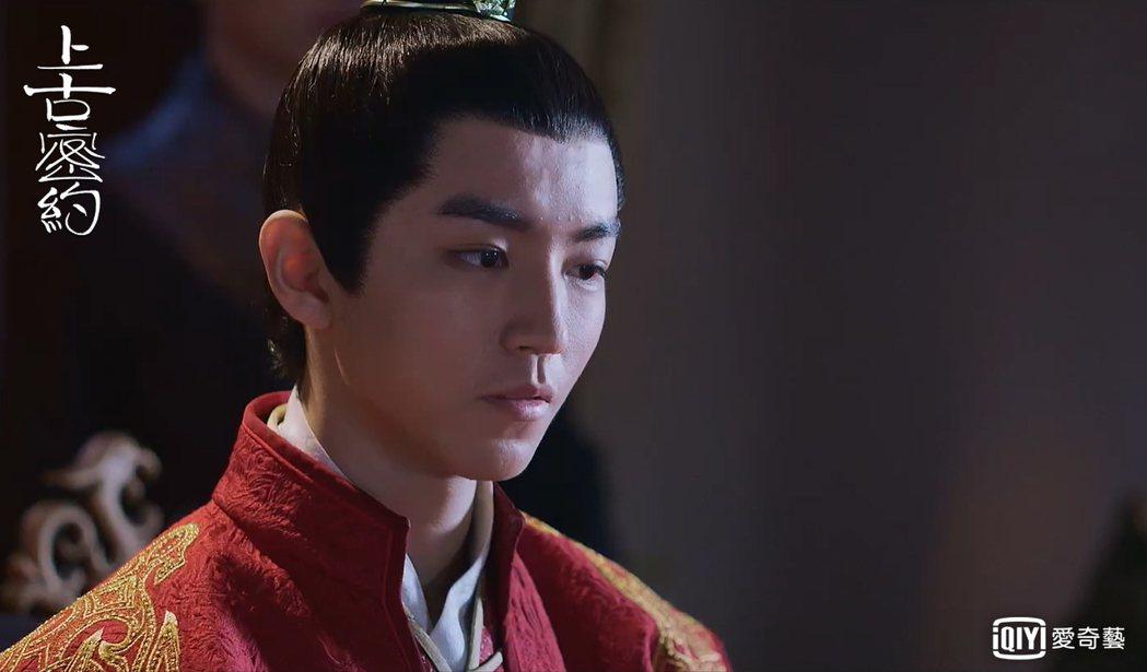 王俊凱首次挑戰出演反派皇帝。圖/愛奇藝台灣站提供