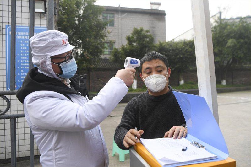新冠肺炎疫情持續延燒,中國開工率不佳,若2月底前疫情仍未受到控制,台廠供應鏈將大受影響。新華社