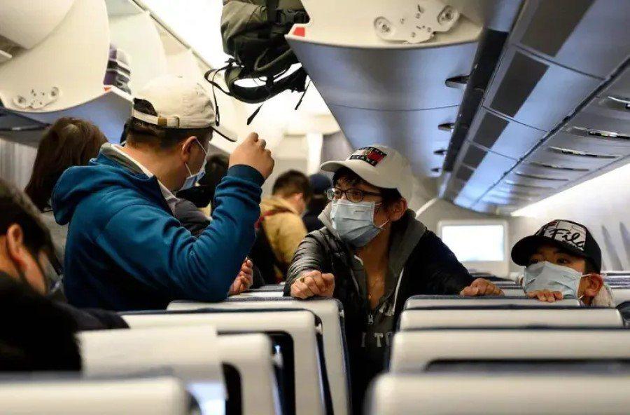 菲律賓政府於今(14)日下午召開內閣會議,經跨部會討論,瞭解並肯定台灣對防疫工作採取的嚴謹措施與努力,最終作成友我決議,宣布即刻取消對台灣旅客的旅遊禁令。 圖/法新社
