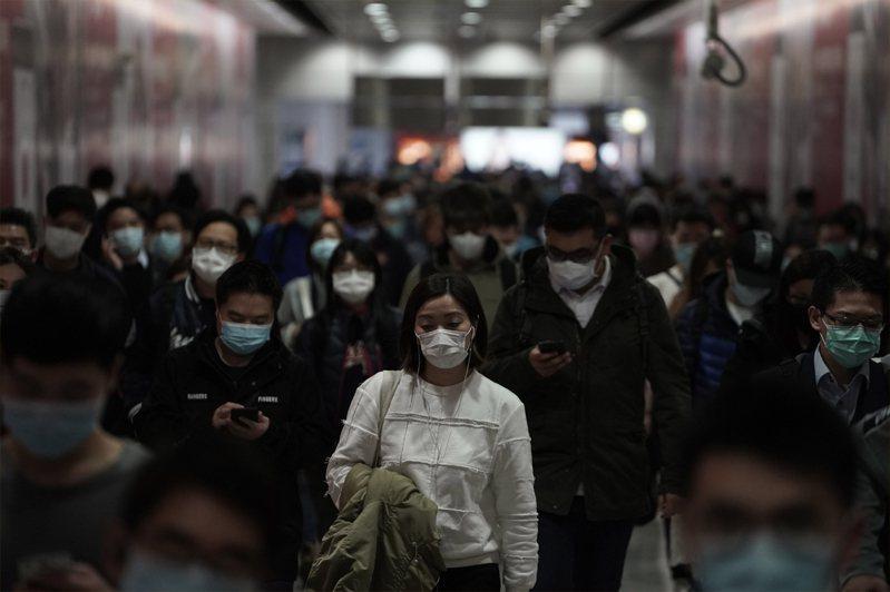 目前仍有2000名港人滯留新冠肺炎重災區湖北省,是否接回、如何接回,香港政府備受壓力。示意圖/美聯社