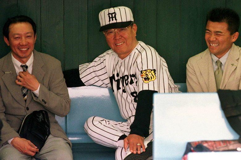 1999年,野村克也擔任阪神虎隊監督。 圖/美聯社