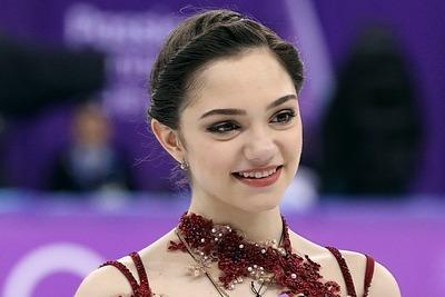 俄女子滑冰選手變身美少女戰士 IG網友讚:好像娃娃!