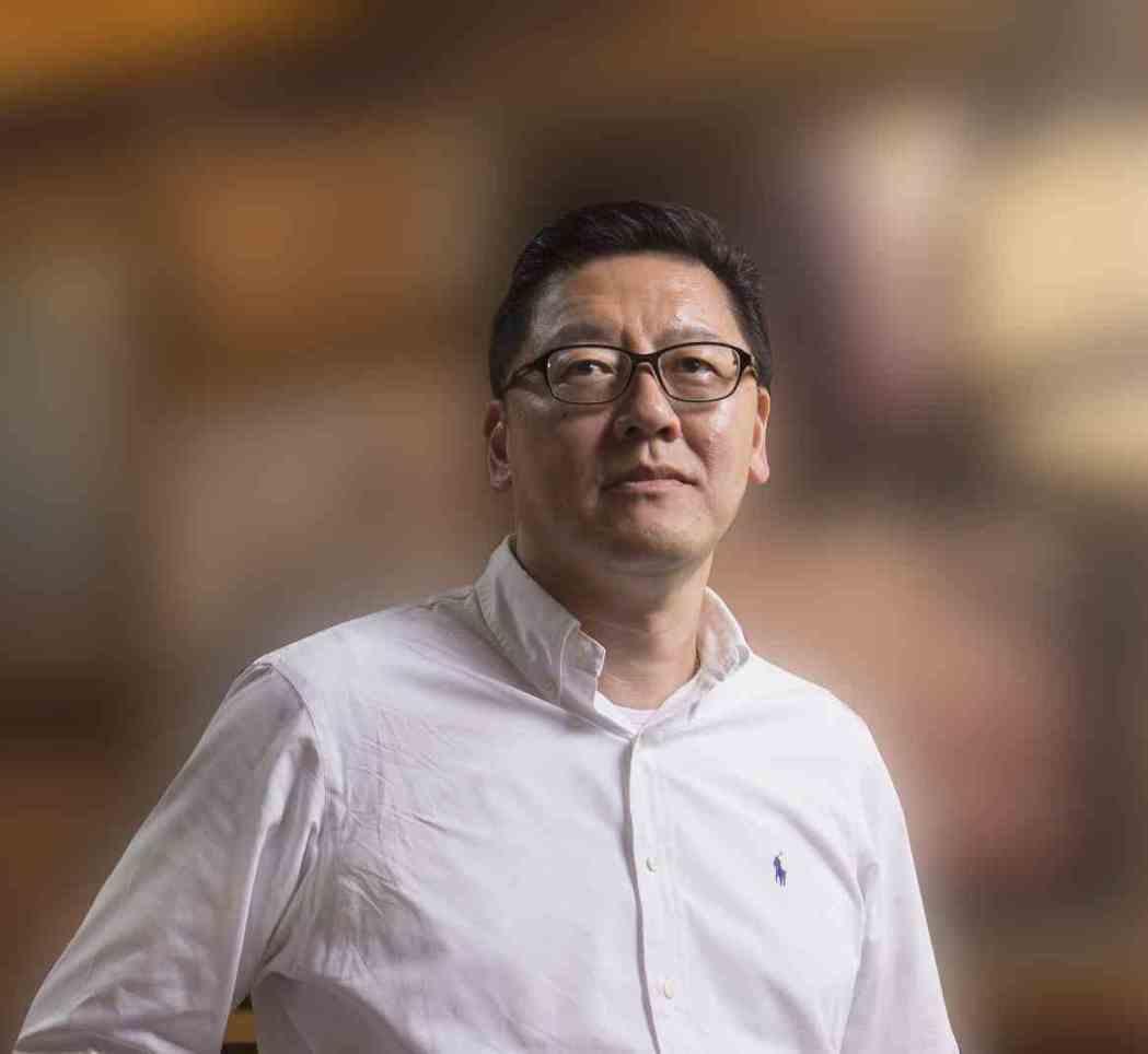 北軒集團資深營運副總裁李宏智:本來還慶幸今年除夕生意大好,但至今業績下滑了兩到三...