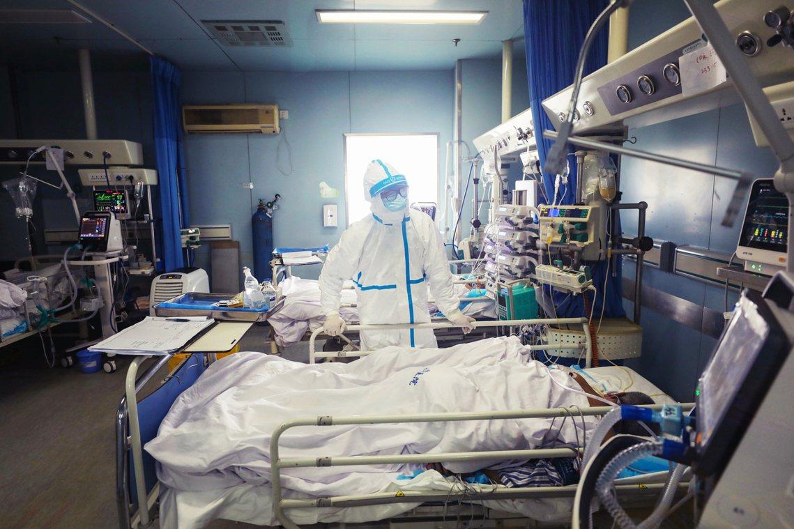 新型冠狀病毒的中國疫情,目前正進入防疫重整的關鍵階段。 圖/歐新社
