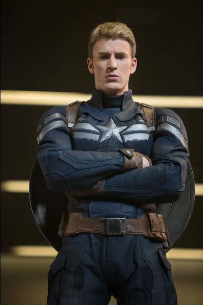 克里斯伊凡「美國隊長」英勇威猛形象深入人心。圖/摘自imdb