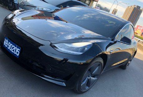 車商曝光憲兵指揮部採購 全黑Tesla Model 3造型曝光