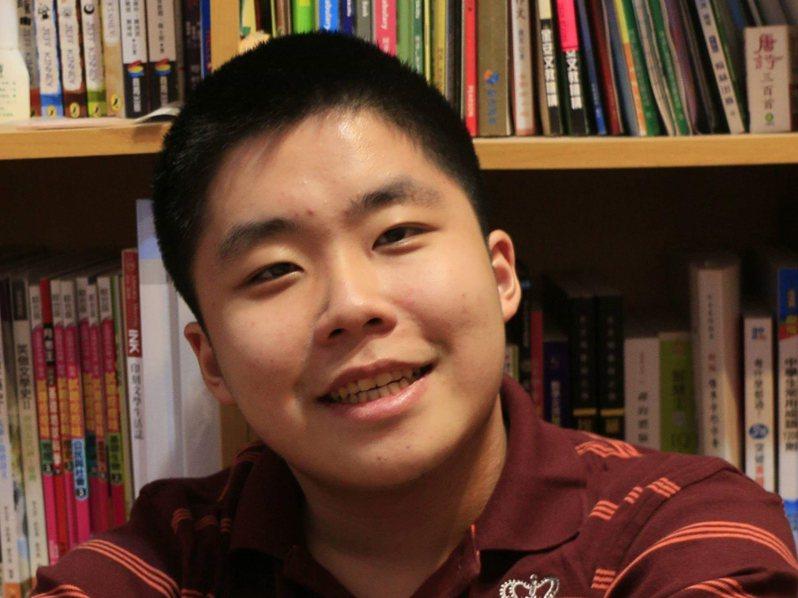 游高晏具極高寫作天分,透過特殊選才錄取中央大學中文系。圖/中央大學提供
