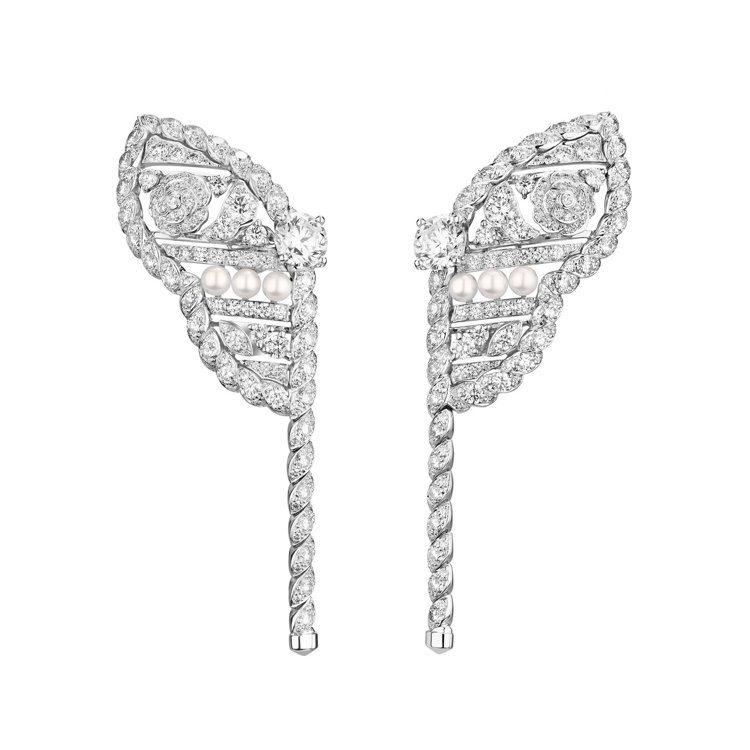 CHANEL,Roubachka耳環,18K白金,鑲嵌304顆總重約4.06克拉...