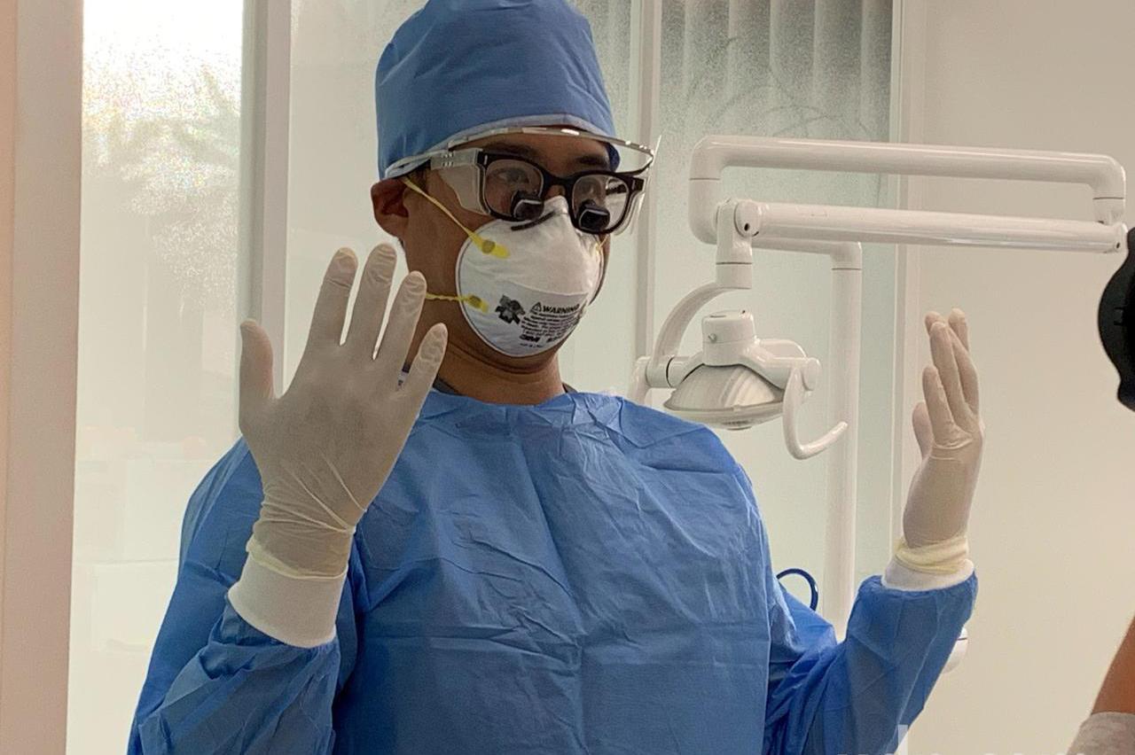 台中診所防疫!部份暫停侵入治療 牙醫備防護衣N95口罩