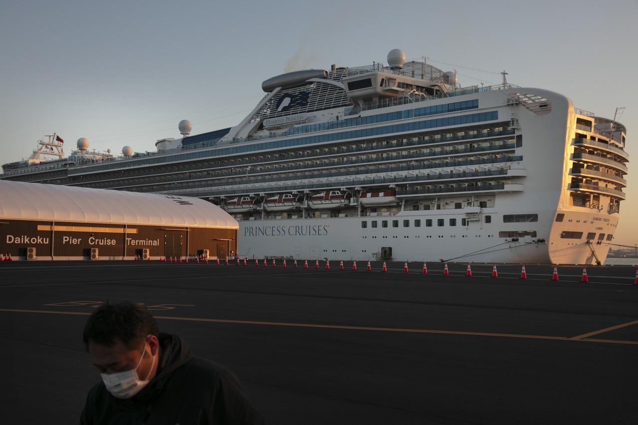 差兩個月滿80歲標準 鑽石公主號乘客嘆:要繼續待船上?