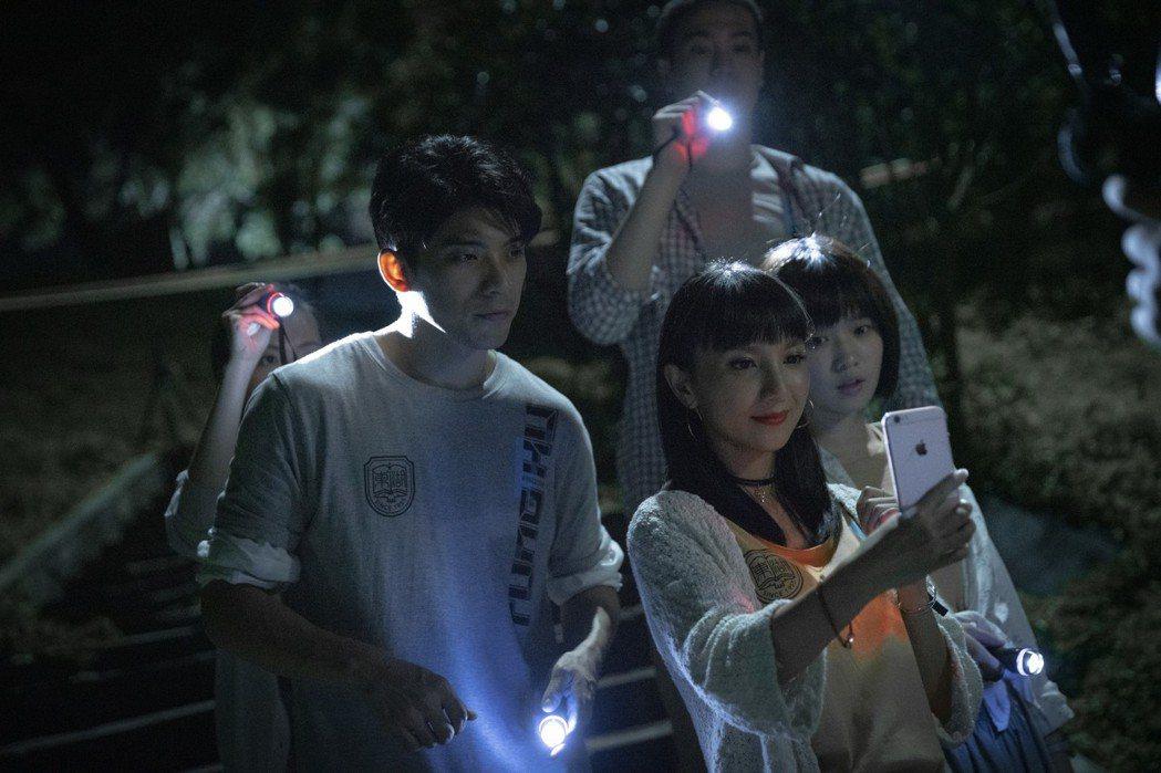 林哲熹(左)在「女鬼橋」又有不一樣的演出。圖/傳影互動提供