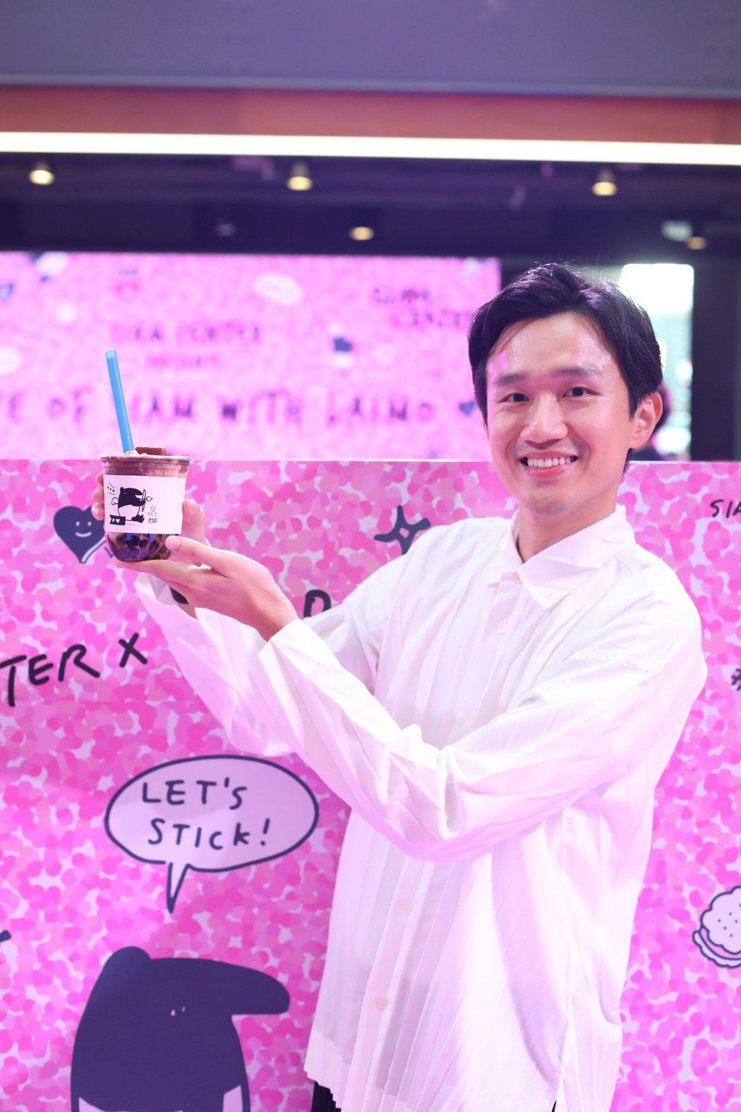 馬來貘進軍泰國,作者Cherng出席於曼谷最具規模的購物中心Siam Cente...