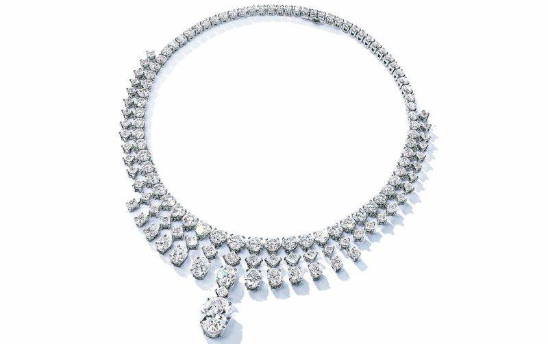 Tiffany項鍊鑲嵌天然開採鑽石。 圖/Tiffany & Co.提供