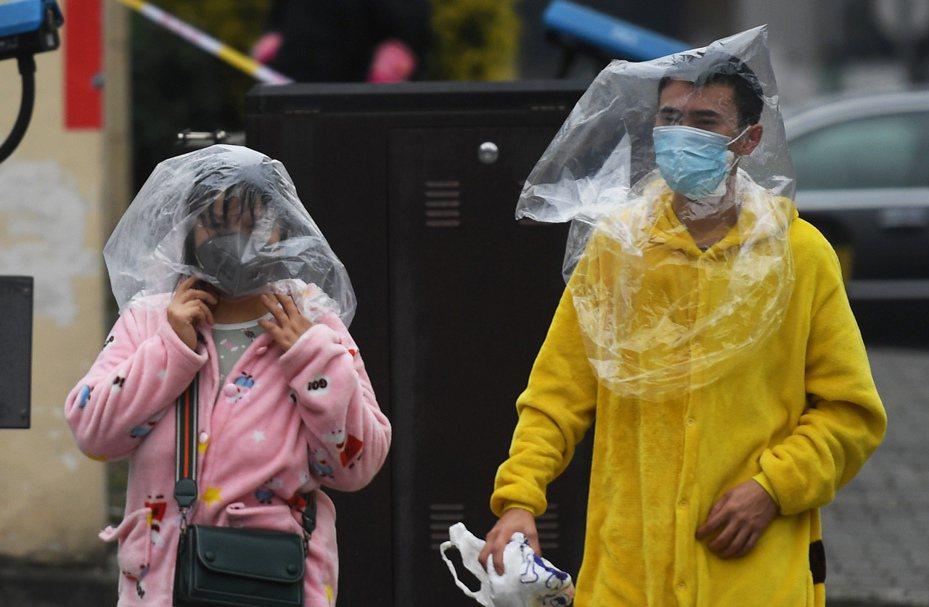 慶孫鋼企復工發生聚集性疫情嚴重事件,已封樓隔離。 中國新聞社