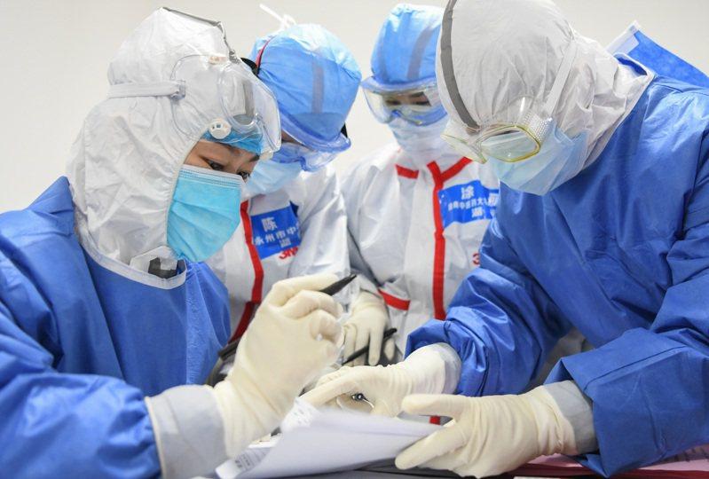 新冠肺炎疫情延燒,中國駐美大使崔天凱近日在的訪談中談及中國的防疫對策。 示意圖/新華社