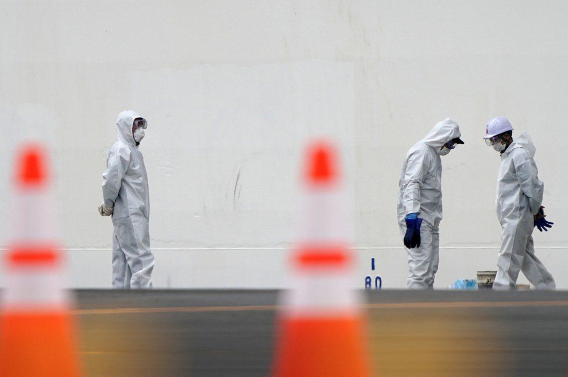 橫濱支援消防急救員的確診感染,引發了日本輿論對於「鑽石公主號」更大的質疑與慌張。...
