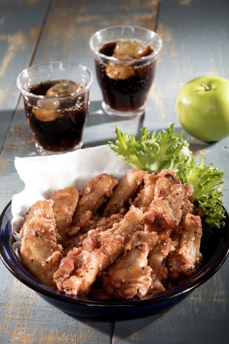 南乳炸雞翅香脆可口,在家就可簡單料理。 圖/日日幸福出版提供